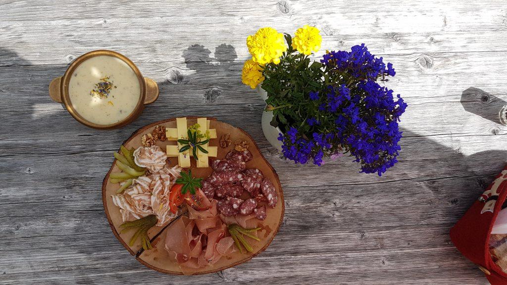 Höchstes Qualität und geschmackvolles Design - Mittag an der Rotstockhütte