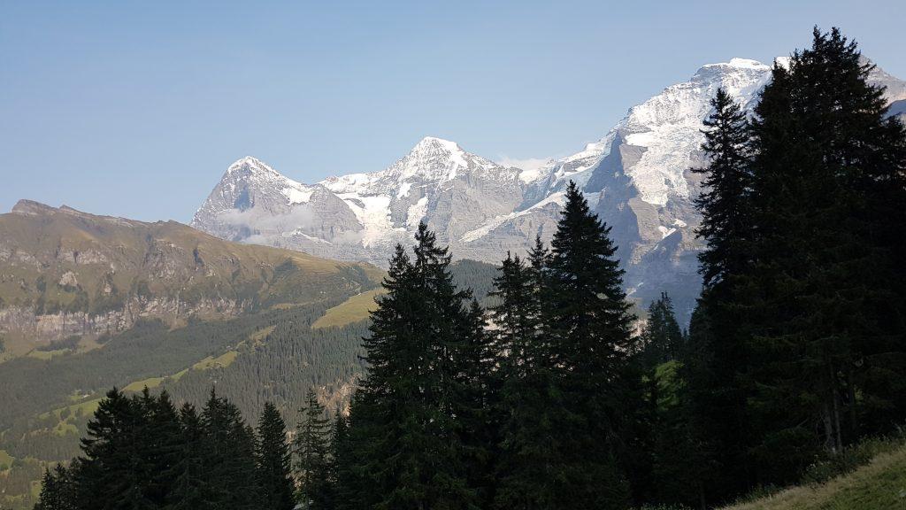Die Strecke und das Ziel bei traumhaftem Wetter am Tag vor dem Jungfrau-Marathon