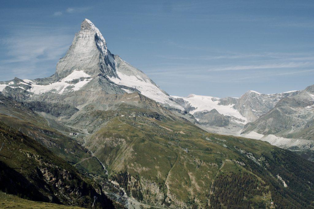 Teilweise erkennt ist die Strecke zu erkennen, die ich gelaufen bin - dahinter: das Matterhorn